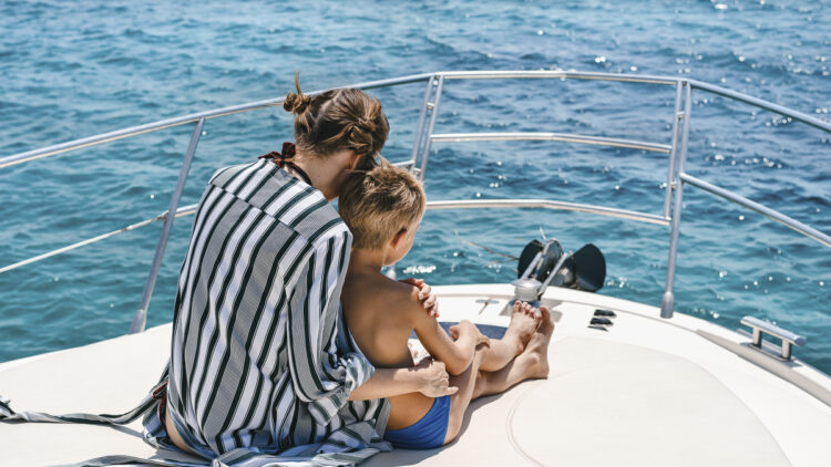 Underway at sea: games on board for children