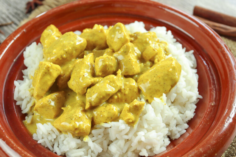 Cooking on board: Recipe / Dish - Chicken curry with an intense aroma of curry and coconut.