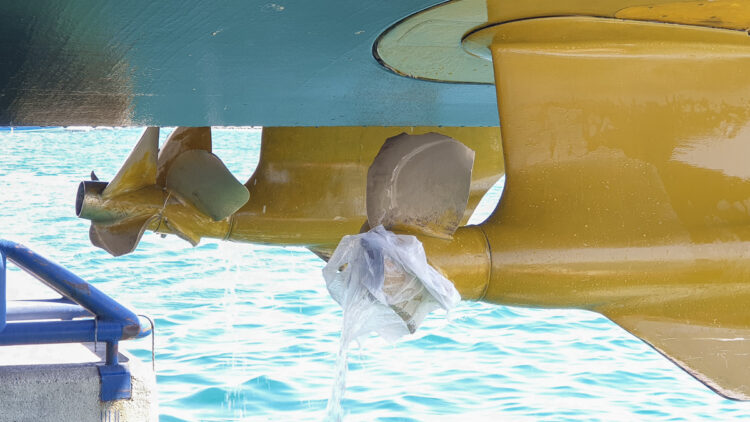 Damage to propellers caused by chains