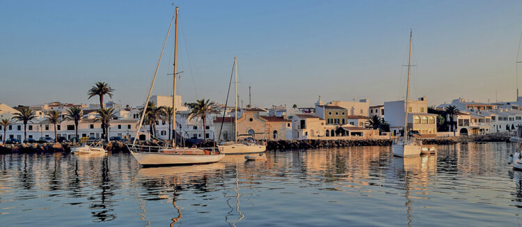 Menorca cruising area - Cruising around the island: Port de Fornells