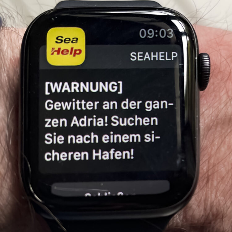 SeaHelp emergency call app: weather alerts on the Apple Watch