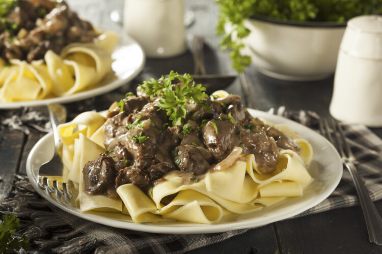 Cooking on board - delicious dishes and recipes: Boeuf Stroganoff