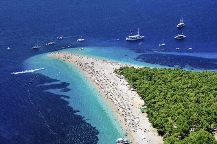 Strand / Sandstrand Tipps Kroatien für Segler: Strand Zlatni Rat - Goldenes Horn von Bol auf der Insel Brac in Kroatien