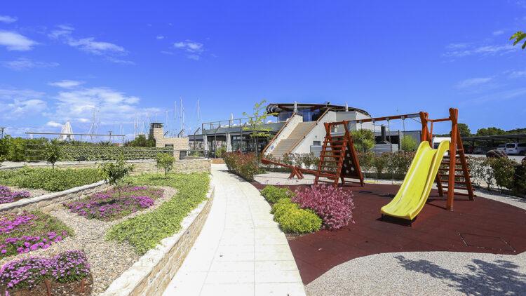 Olive Island Marina: Gartenanlage
