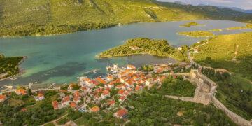Croatia by yacht: sailing tip Ston on the Pelješac peninsula