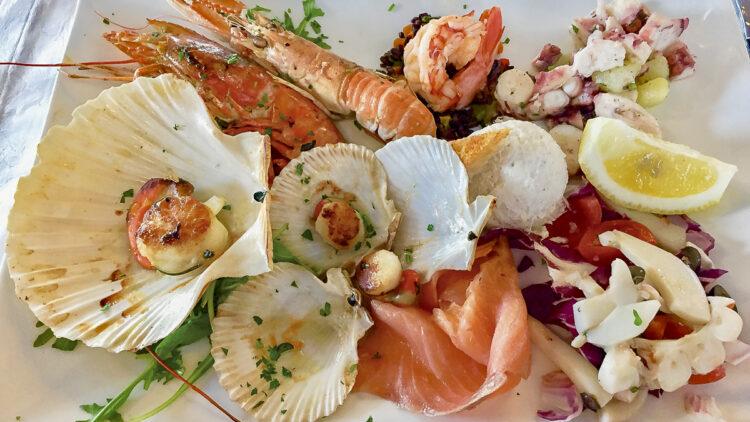Italien - Obere Adria: Restaurant der Marina Lepanto in Monfalcone