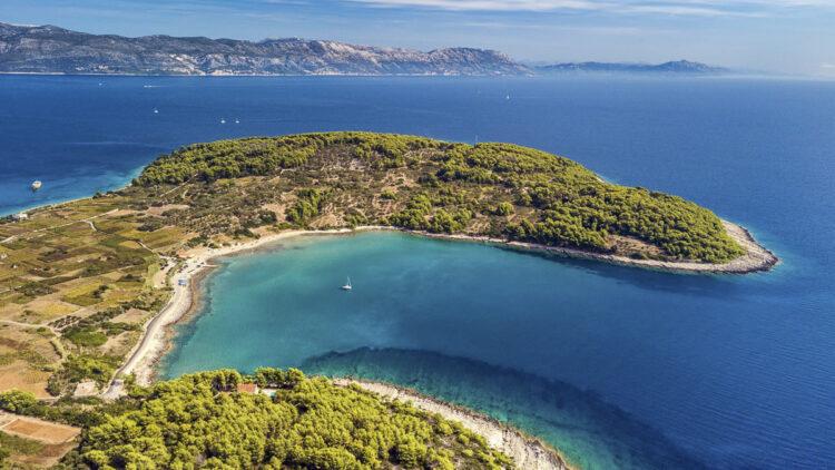 Strand / Sandstrand Tipps Kroatien für Segler: Vela Przina Strand liegt im südwestlichen Teil der dalmatinischen Insel Korcula