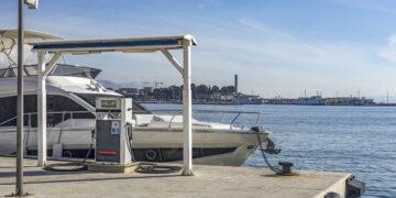 Richtig tanken an der Boots-Tankstelle mit der Yacht