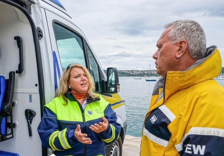 Frau Dr. Astrid Preininger und SeaHelp-Chef Wolfgang Dauser im Gespräch