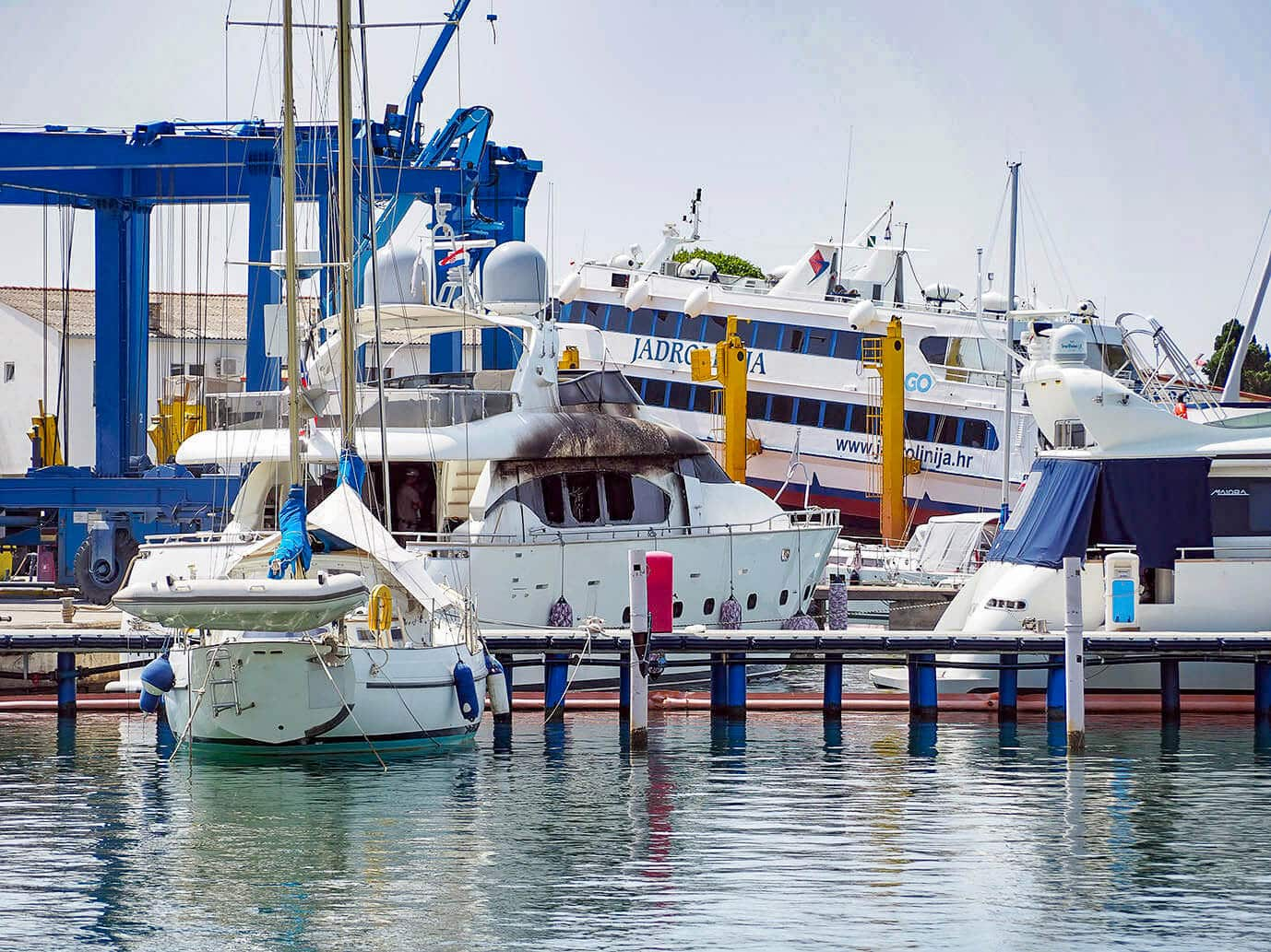 Damage woth millions: Maiora yacht goes up in flames in Marina Punat