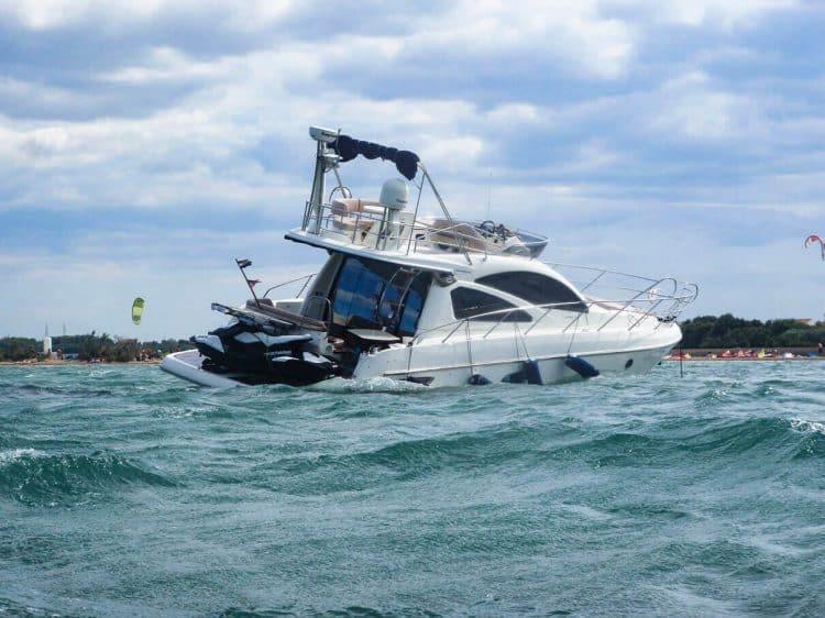 Yacht Grundberührung