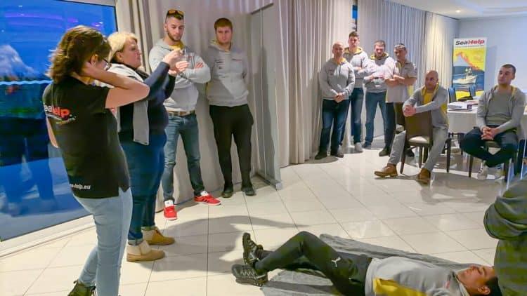 SeaHelp theoretische Fortbildung der Mitarbeiter als Vorbereitung für die Wassersportsaison 2020