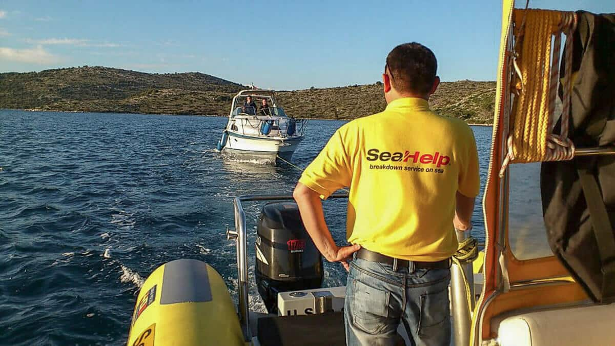 SeaHelp | Towing Yacht