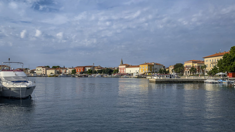 Vacation Croatia - Porec few vacationers