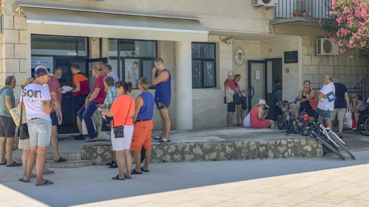 Kroatien: Lange Warteschlangen bei Permit und Kurtaxe Abgabe bei den Hafenämtern