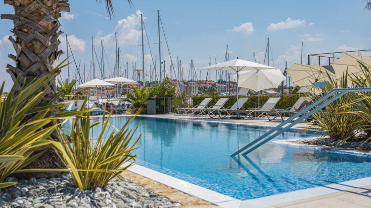 Olive Island Marina: Pool