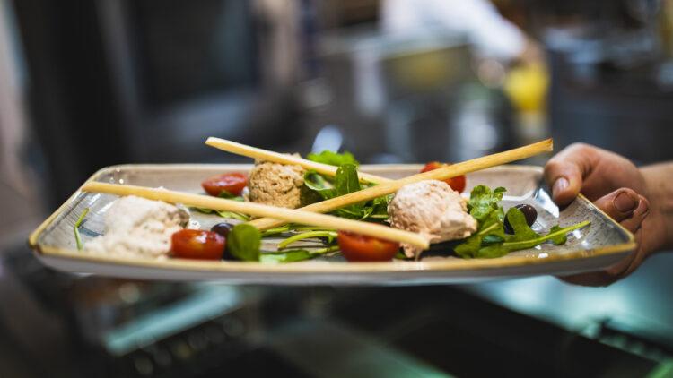 Olive Island Marina: Willkommen im Olive Garden Restaurant