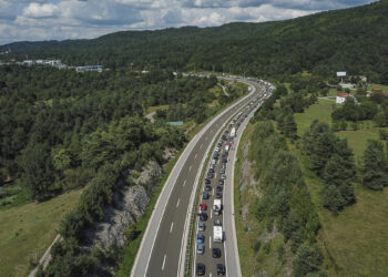 Winter sports Austria Coronavirus: Long traffic jams at the entry to Austria in summer