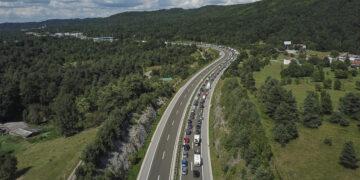 Wintersport Österreich Coronavirus: Lange Staus bei der Einreise nach Österreich im Sommer