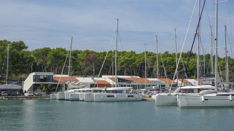 Unwetter Adria - Kroatien Istrien: Segler suchen Schutz in der ACI Marina Pomer