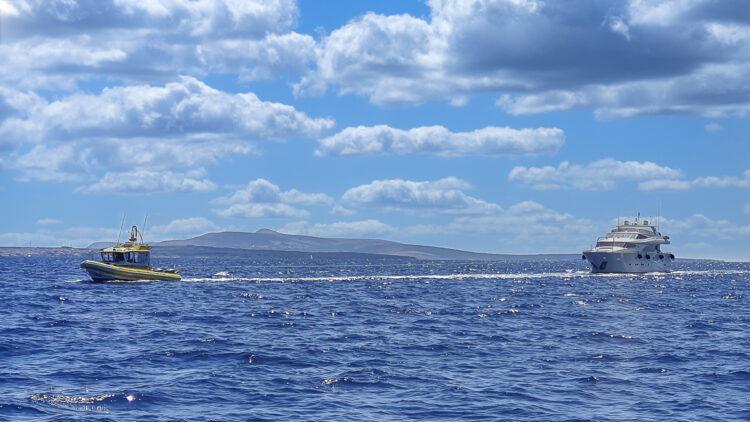 Große Yachten abschleppen: Schlepp - kostenlose Dienstleistung des Pannendienstes SeaHelp