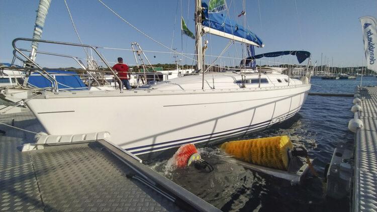 Clean Blue / Boatwash: Reinigungsanlage für Bootsrümpfe, auch für Segelyachten