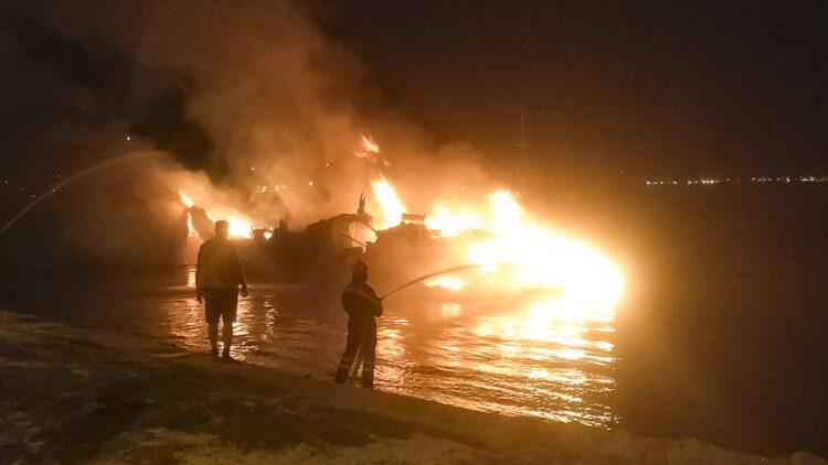 "<span class=""dachzeile"">Yachten fielen Flammen zum Opfer<span>: </span></span>Großbrand in der Marina Kaštela verursacht Millionenschaden 27"