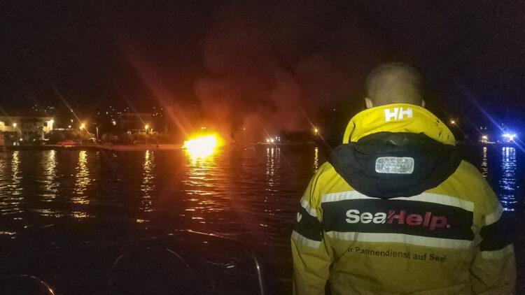 "<span class=""dachzeile"">Yachten fielen Flammen zum Opfer<span>: </span></span>Großbrand in der Marina Kaštela verursacht Millionenschaden 16"
