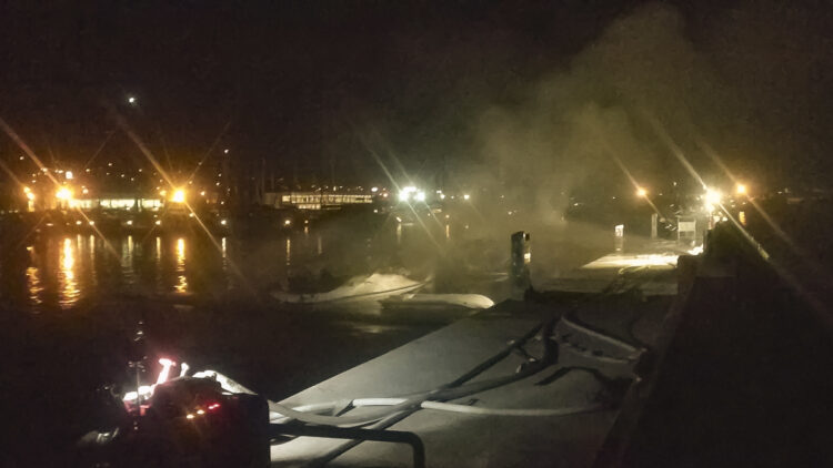 "<span class=""dachzeile"">Yachten fielen Flammen zum Opfer<span>: </span></span>Großbrand in der Marina Kaštela verursacht Millionenschaden 30"