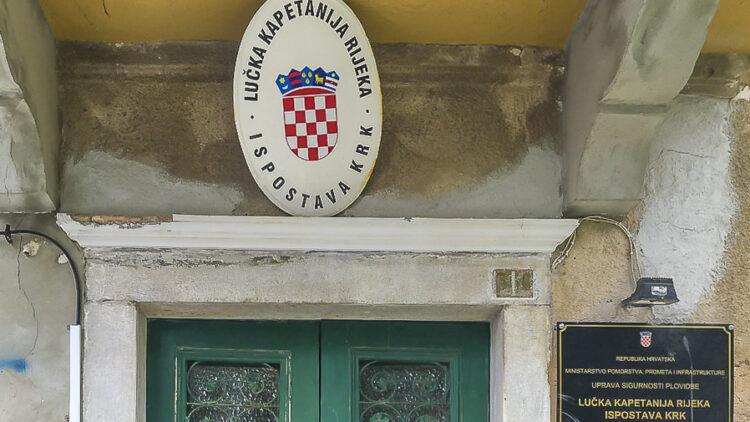 Permit: Öffnungszeiten und Rufnummern der Kapitanerien in Kroatien in Tabellenform!