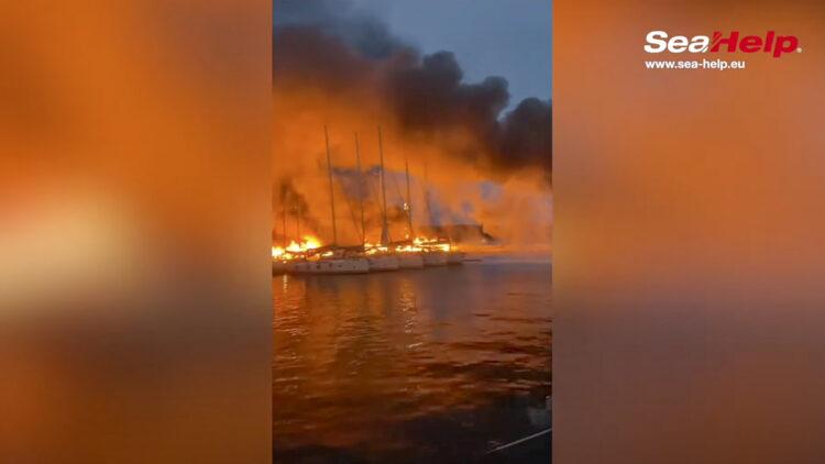 Großbrand Marina Kastela (Dalmatien / Kroatien): Mehrere Yachten vielen den Flammen zum Opfer.