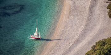 Beach / Sandy Beach Tips Croatia for Sailors: Lubenice Cres