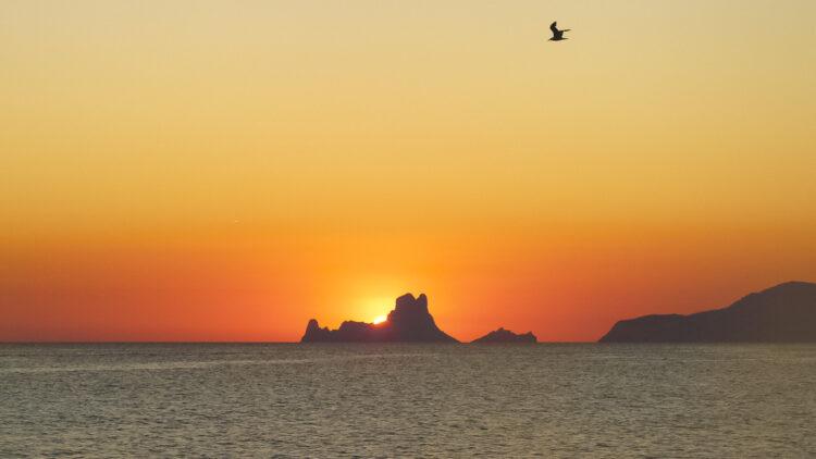 Ibiza - klein, reich und schön: Felseninsel Es Vedra
