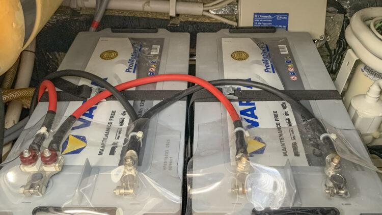 Strom-Management / Stromverbrauch auf einem Boot oder einer Yacht: Batterien