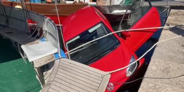 Stadthafen Punat: VW-up im das Hafenbecken gefahren