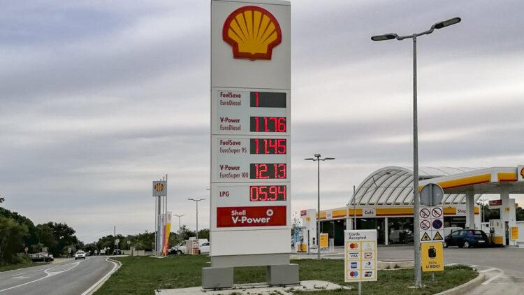 Kraftstoffpreise für Benzin und Diesel in Kroatien: Shell Tankstelle in Medulin