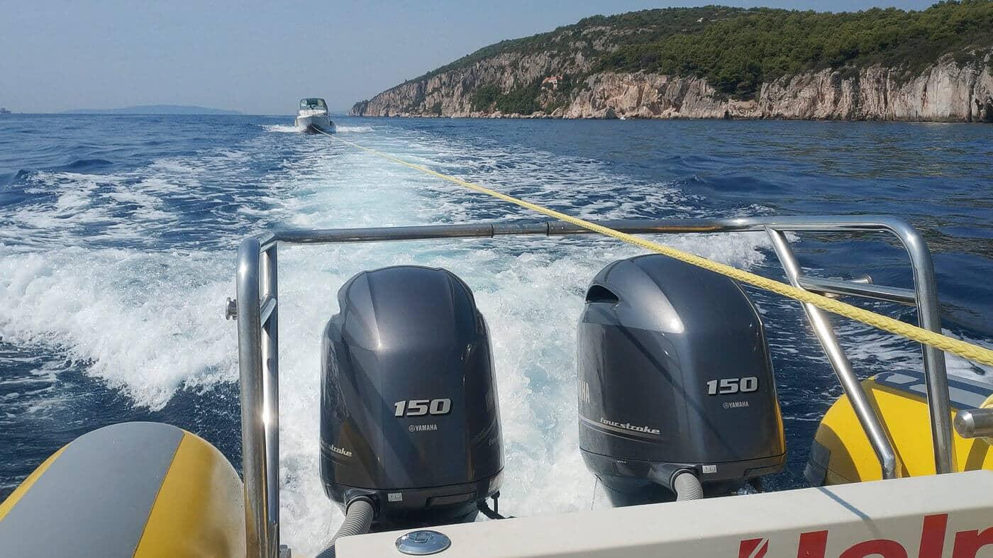 SeaHelp Einsatzboot der ersten Generation im Einsatz