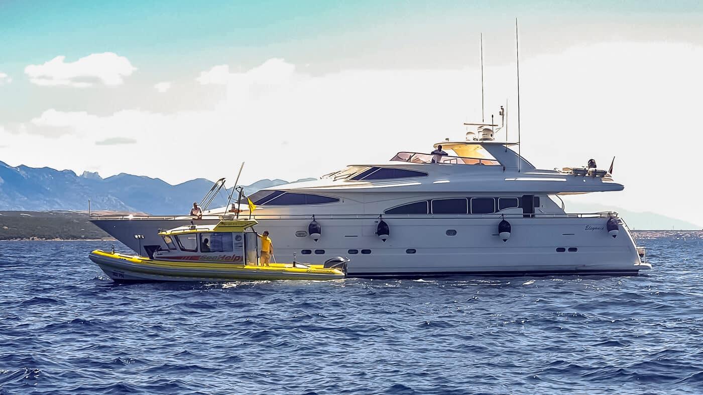 SeaHelp Einsatzboot der zweiten Generation im Einsatz